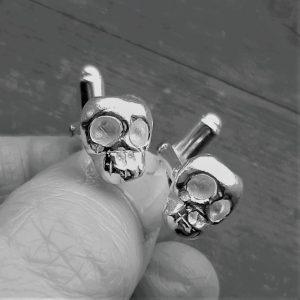 memento mori skull cufflinks